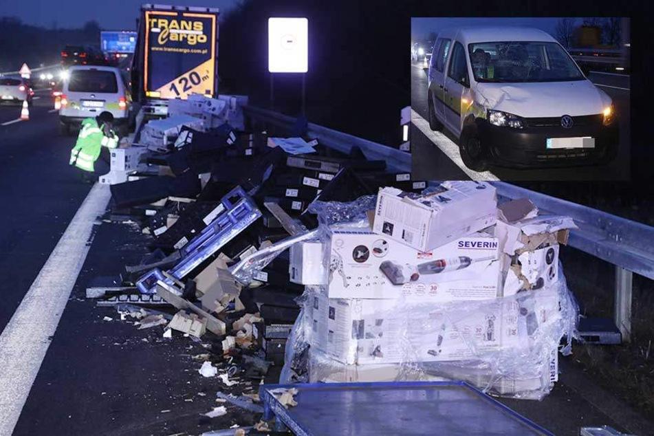 Mega-Stau auf A4: VW von herumfliegender Laster-Ladung getroffen