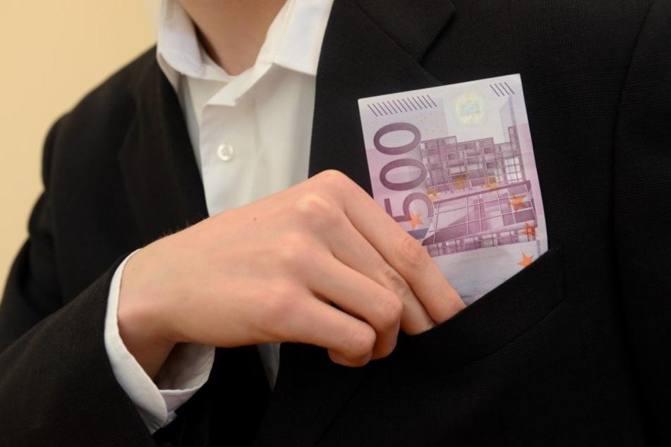 Mit seiner Liebes-Masche ergaunerte sich ein Österreicher 153.000 Euro.