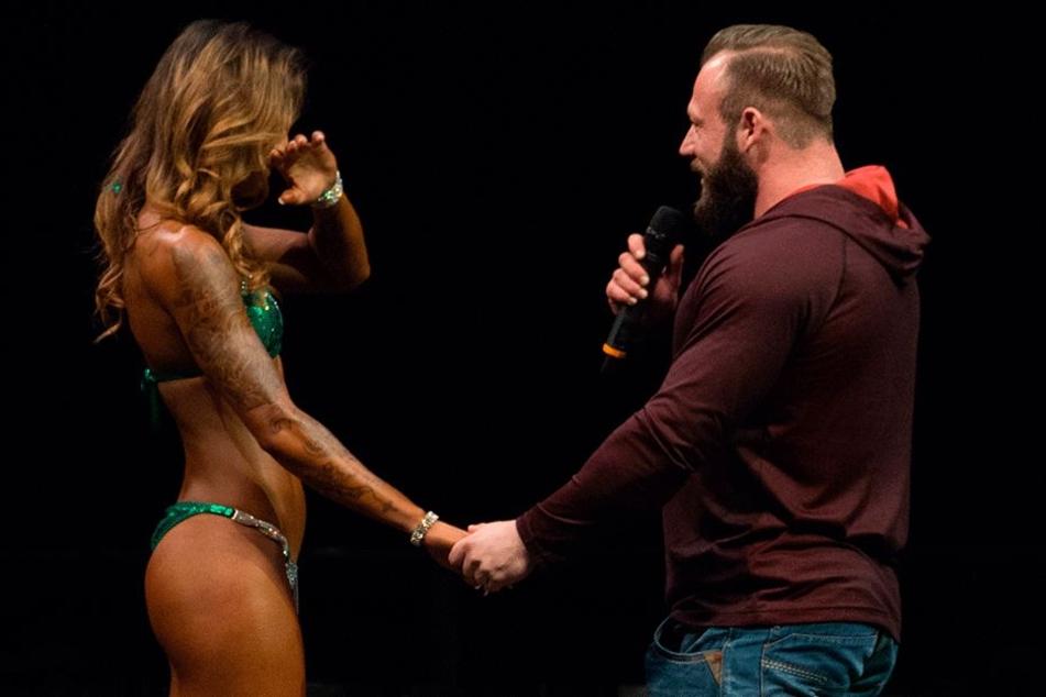 Grandioses Finale: Bodybuilderin Jamila Kang (28) bekommt bei den Deutschen Meisterschaften einen Heiratsantrag von ihrem Freund Conny Raschke (27).