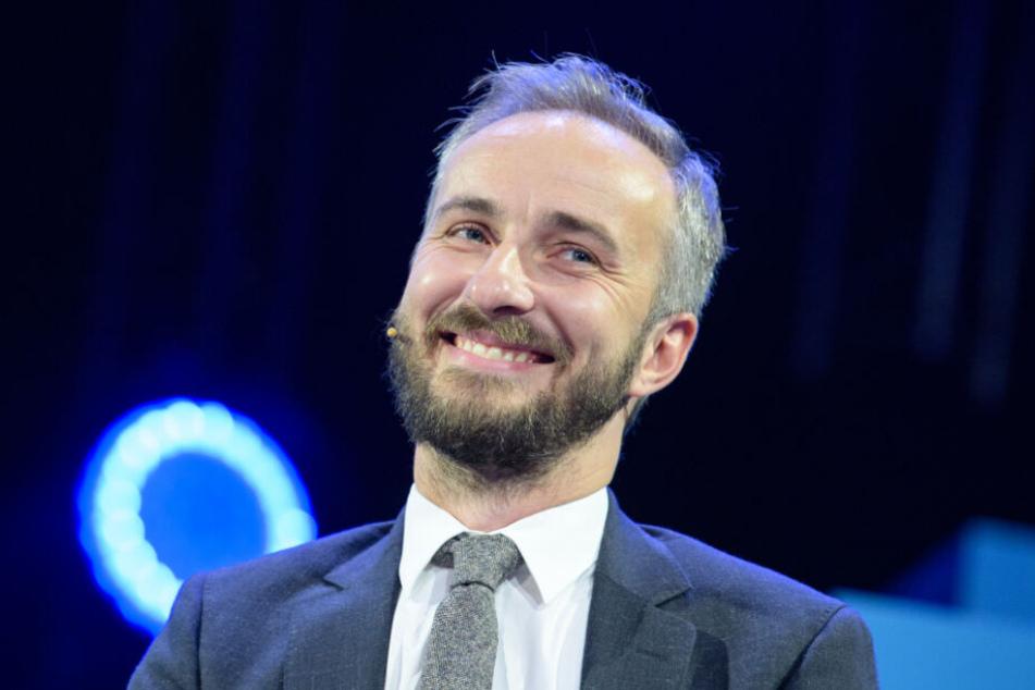 "Jan Böhmermann moderiert die Sendung ""Neo Royal Magazin""."