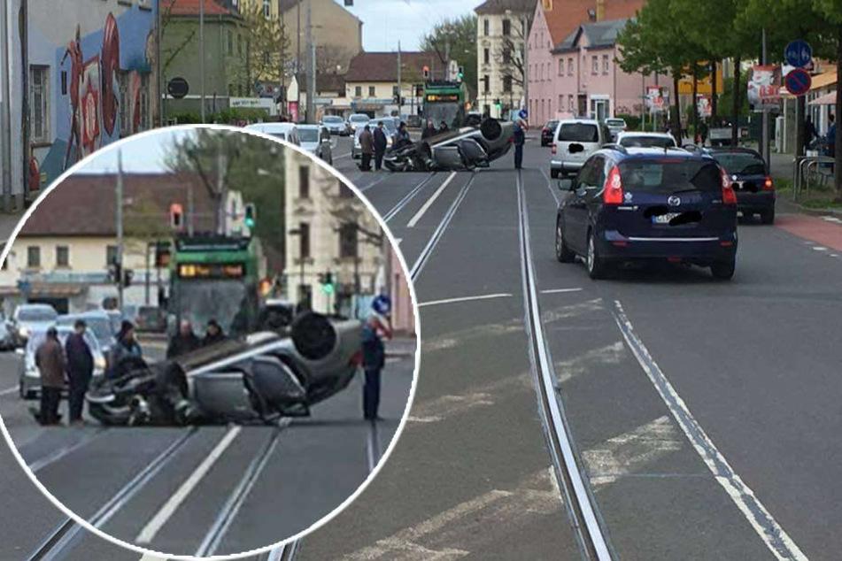 Der Opel überschlug sich und blieb auf dem Dach liegen. Der Fahrer wurde schwer verletzt ins Krankenhaus gebracht.