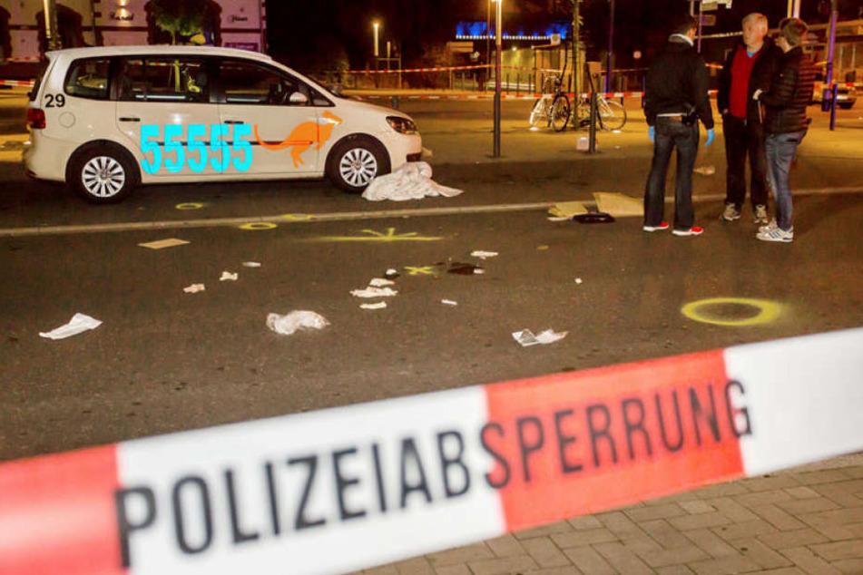 Polizisten in Moers haben einen Mann erschossen, der mit einem Messer auf sie losgegangen war.