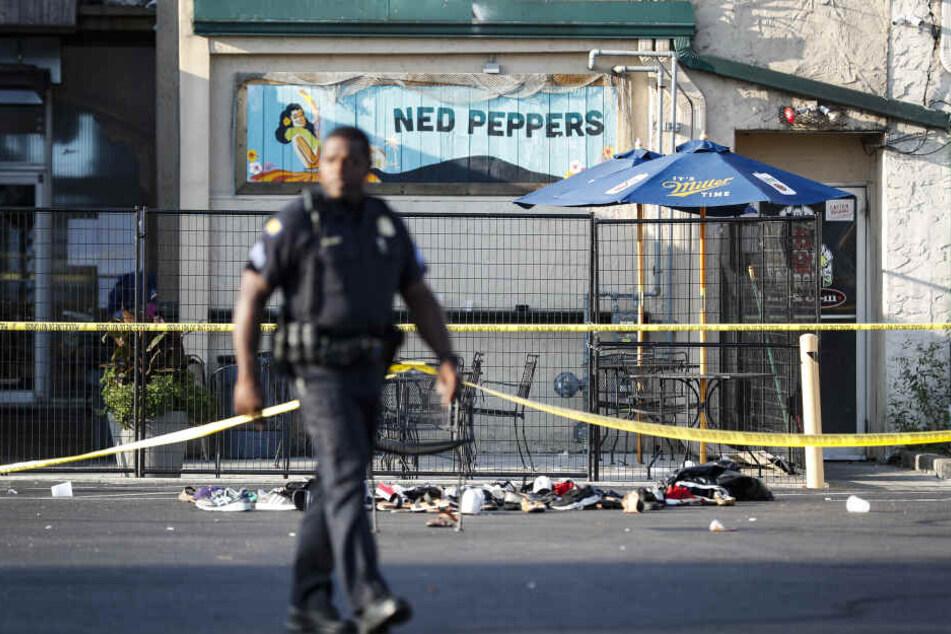 Mehrere Menschen sind bei Schüssen in einer Bar ums Leben gekommen.