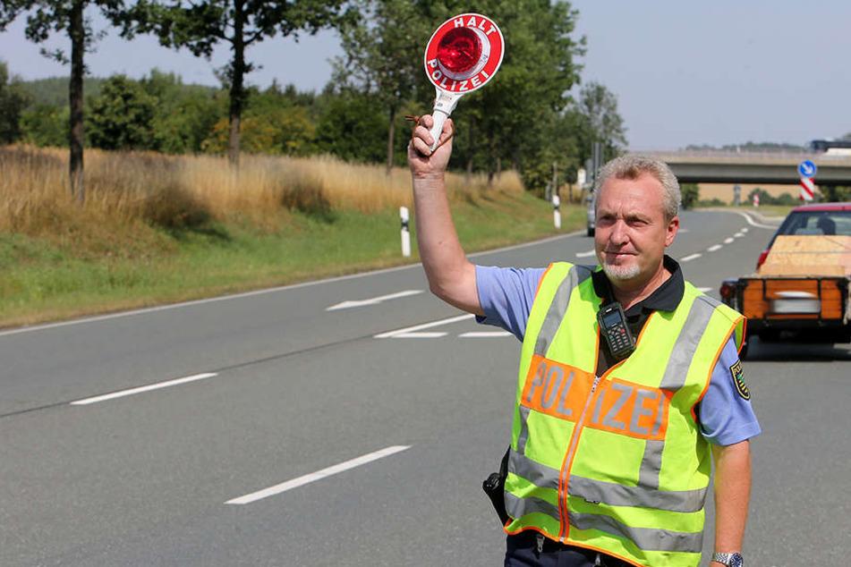 Für mehr Grenz- und Verkehrssicherheit: Polizei, Bundespolizei und Zoll kontrollierten auf der A72 und B92.