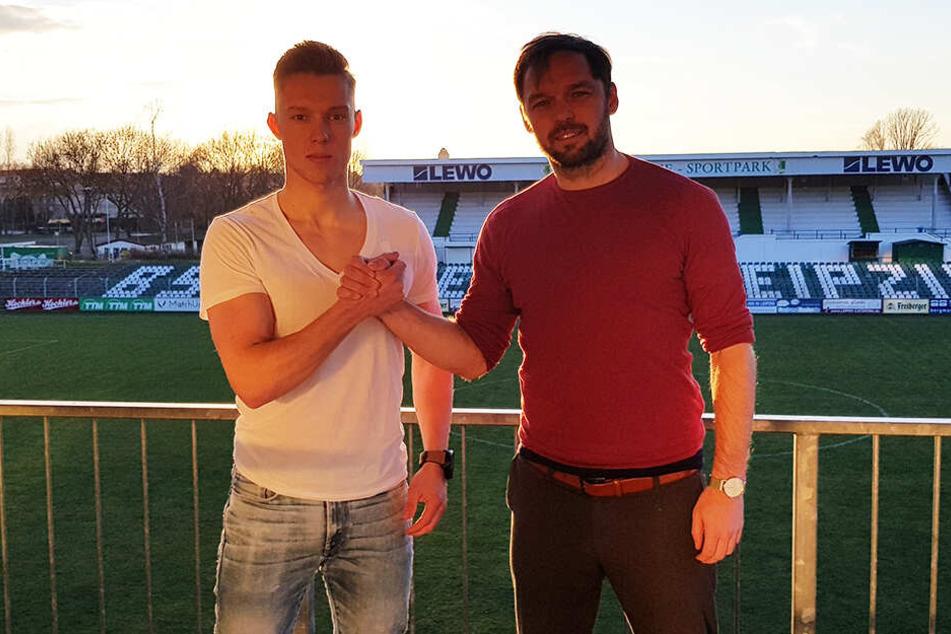 Im Sonnenuntergang besiegelt: Max Keßler (20) bleibt bis 2021 bei der BSG Chemie Leipzig.