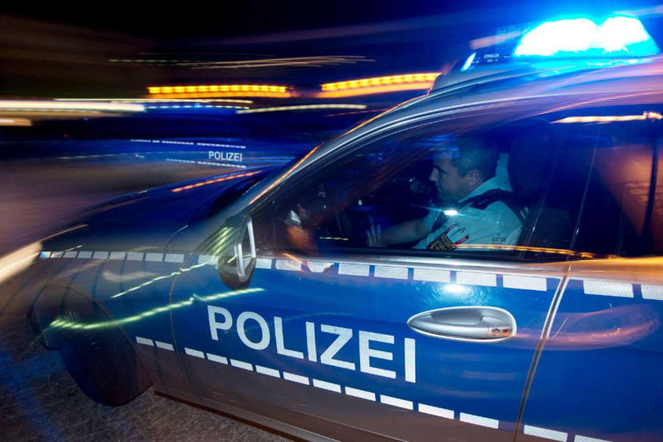 Die Polizei lieferte den 27-Jährigen in eine psychiatrische Einrichtung ein. (Symbolbild)