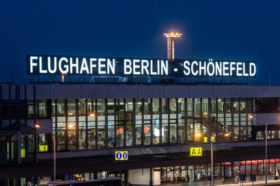 Unter anderem am Flughafen Berlin-Schönefeld wurde mehreren RB-Fans der Flug nach Russland verwehrt.