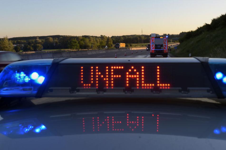 Alle Unfallbeteiligten mussten auf dem schnellsten Weg ins Krankenhaus. (Symbolbild)