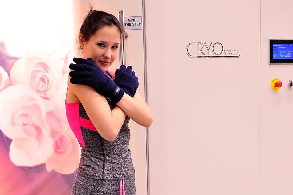 Eiskalt erwischt: TAG24-Reporterin Isabel Sophie Möller (19) vor ihrem Gang in die minus 140 Grad kalte Kryo-Kammer.