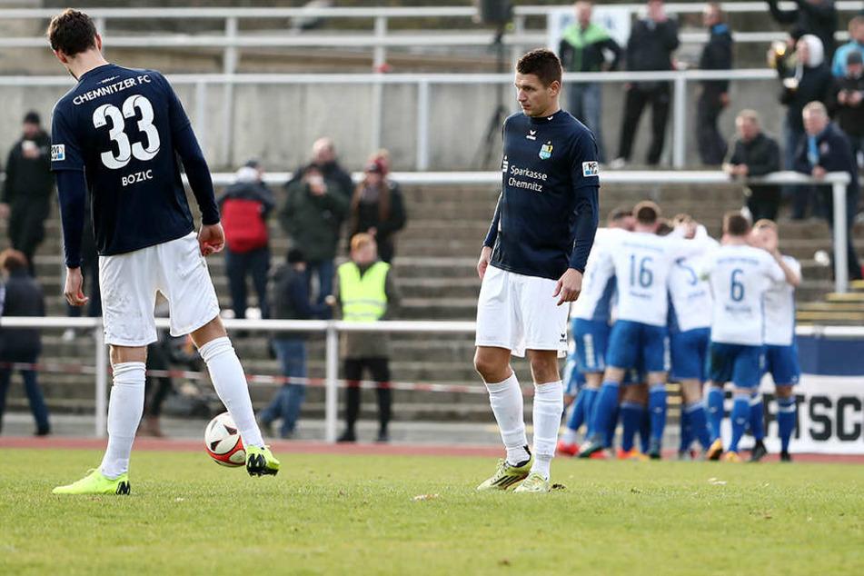 Entsetzte Gesichter beim CFC nach dem Treffer von Hannes Graf.