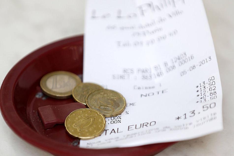 So sieht's oft in der Gastronomie aus: Trinkgeld hat eine lange Tradition, bleibt jedoch immer häufiger auf der Strecke.
