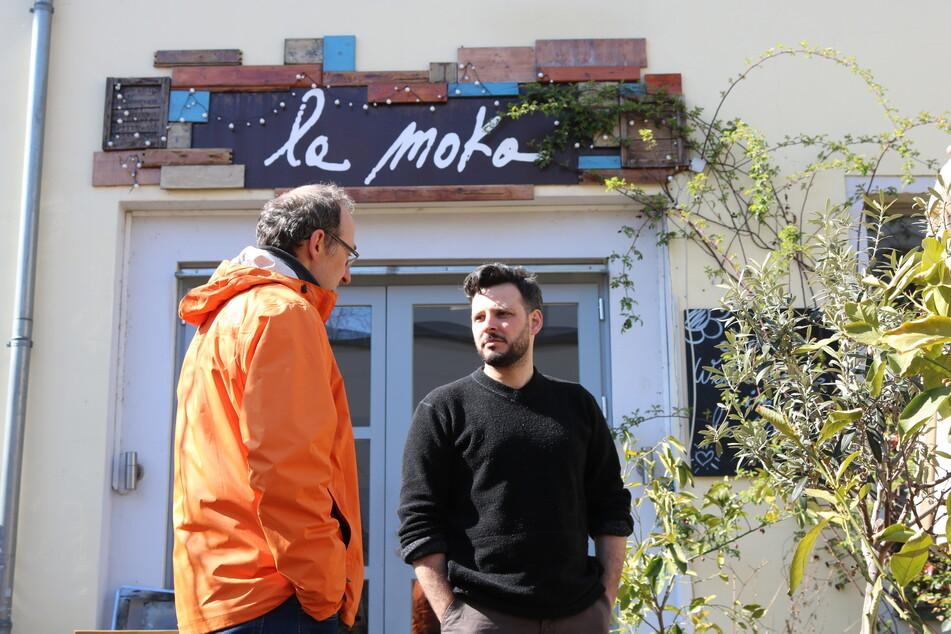"""Eduardo Palomba (32) vom Restaurant """"la moka"""" wartet noch auf seinen Bescheid."""