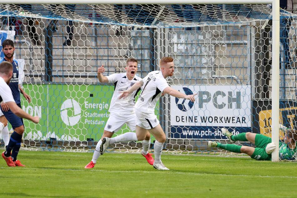Lukas Wilton (Nummer 7) hat per Kopf zum 1:1 für Babelsberg getroffen. Später glich er erneut aus.