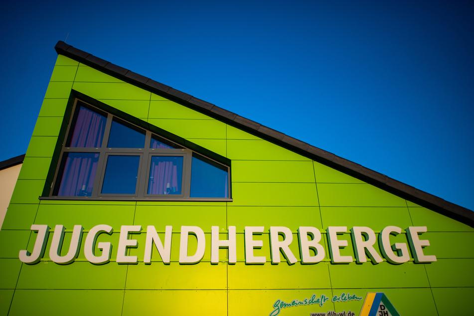 Ab Montag sollen bundesweit 140 Jugendherbergen wieder öffnen (Archivbild).