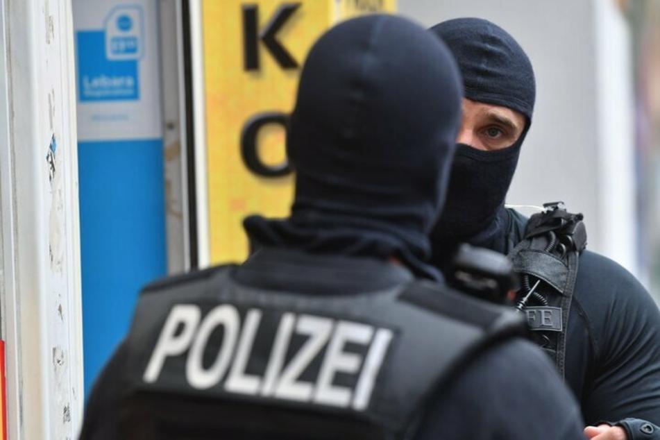 Spezialkräfte der Polizei waren an den Razzien in Nordrhein-Westfalen am Dienstag beteiligt. (Symbolbild)