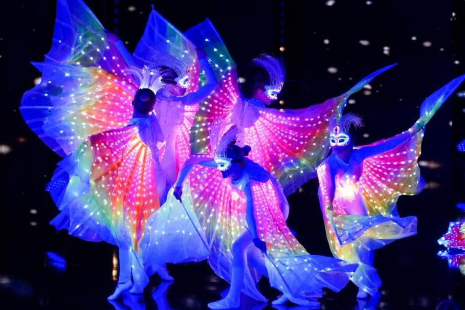 """Die """"Z-Show"""" aus Prag päsentiert eine Tanzperformance bei """"Das Supertalent""""."""