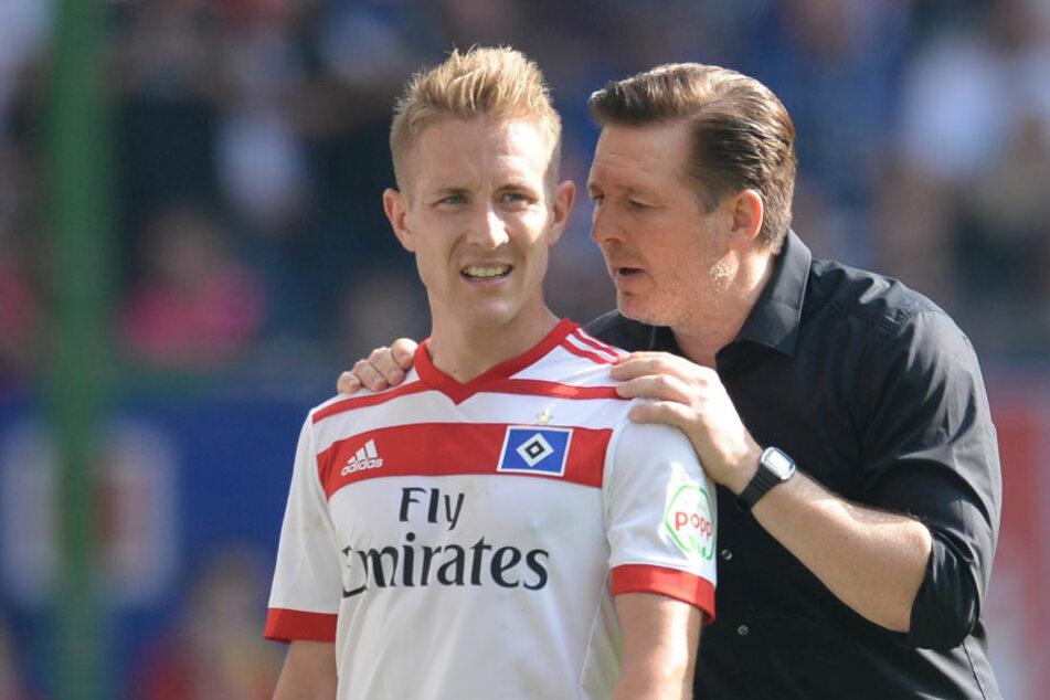 Lewis Holtby mit HSV-Trainer Christian Titz.
