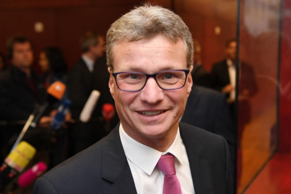 Am Montag eröffnet der bayerische Wissenschaftsminister Bernd Sibler (CSU) ein Interimsgebäude der neu gegründeten Augsburger Medizinfakultät. (Archivbild)