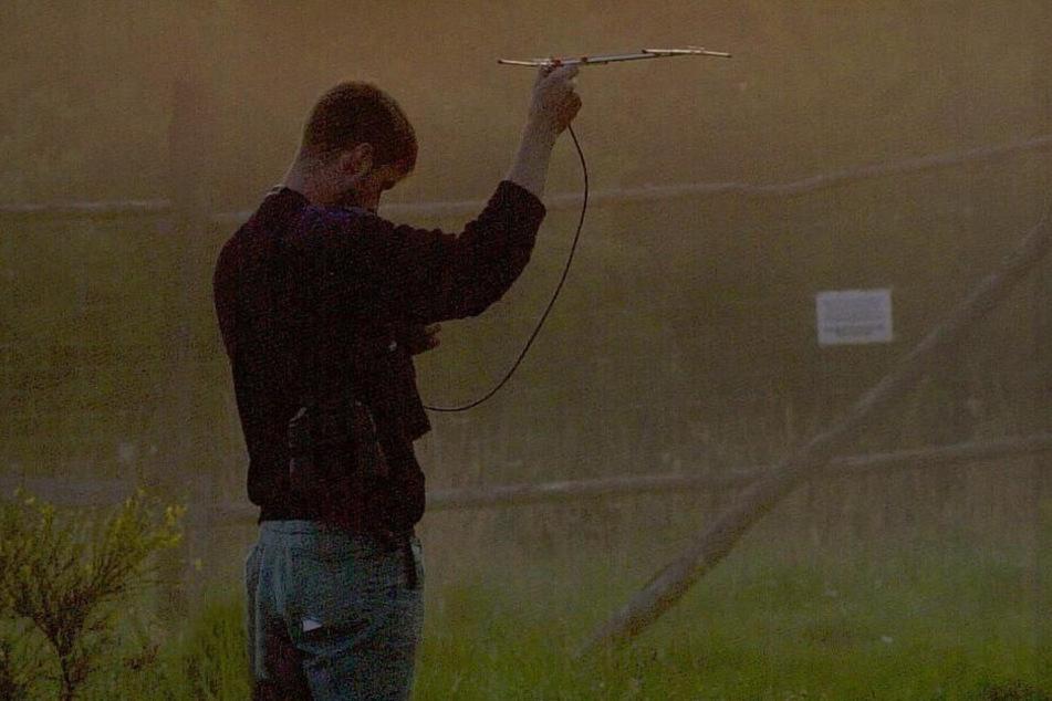 Auf der Suche nach Westfernsehen? Nicht doch: In der Lausitz wurden so 2003 die mit Sendern versehenen Elche angepeilt.