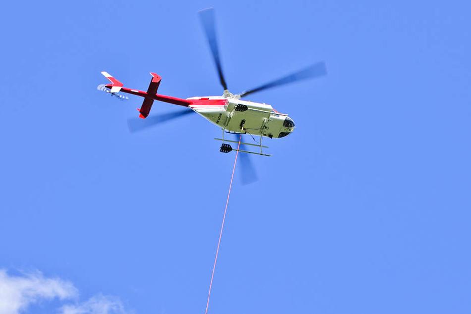 Für die Erkundungen wird der Helikopter 60 bis 70 Meter über dem Erdboden fliegen und an einem Seil eine Sonde hinter sich schleppen. (Symbolbild)