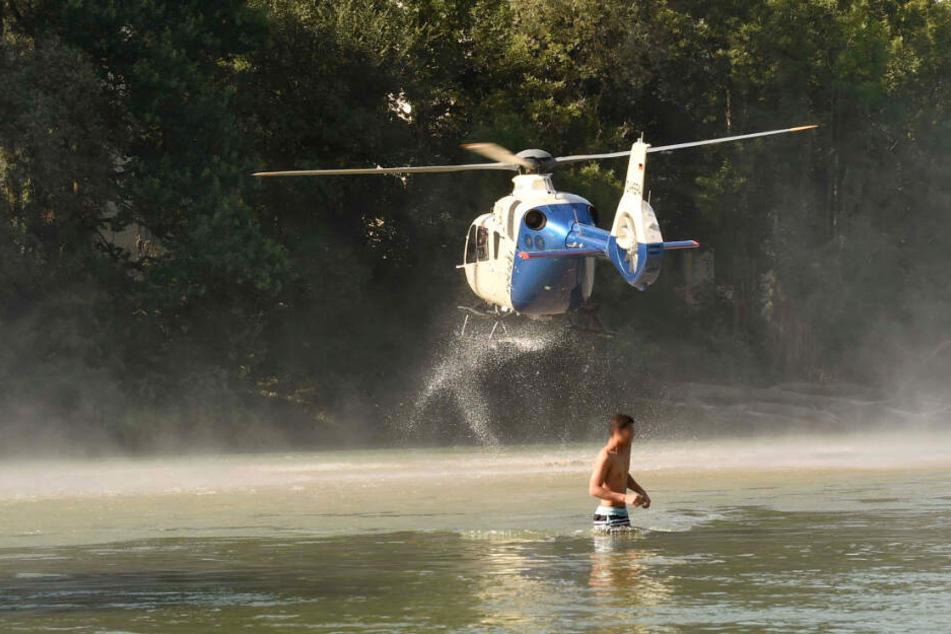 Der Mann wurde per Hubschrauber in eine Klinik gebracht.