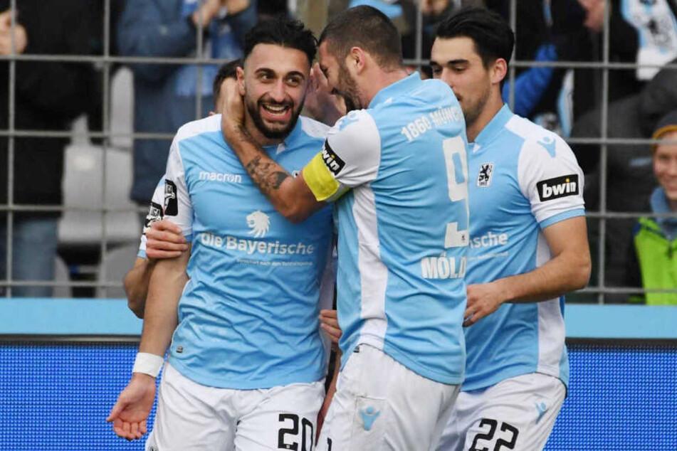 Efkan Bekiroglu (l.) wird dem TSV 1860 München mehrere Spiele gesperrt fehlen.