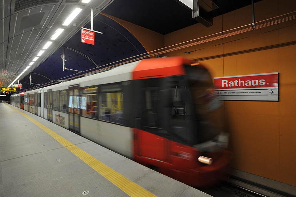 Der Flüchtende geriet vor eine einfahrende U-Bahn.