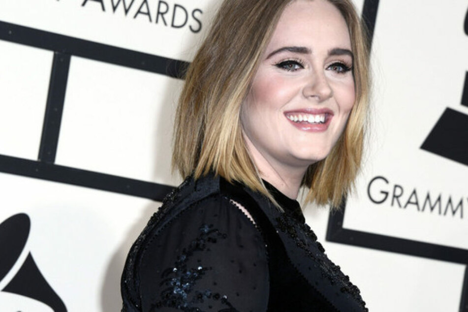 Ist Adele endlich verheiratet? Auf einem Konzert bestätigte sie die Ehe mit Simon Konecki.