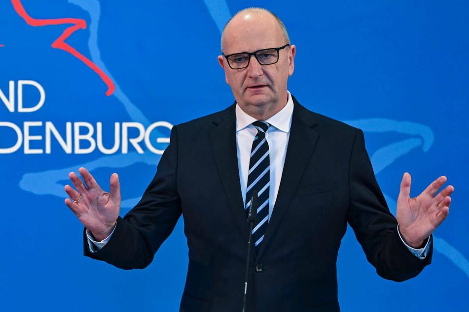 Brandenburgs Ministerpräsident Dietmar Woidke (59, SPD) dringt auf eine rasche Einbeziehung der Praxisärzte in die Impfkampagne des Landes.
