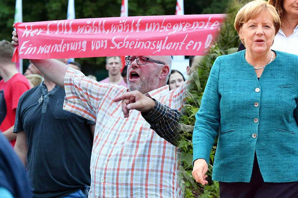 Rund 30 Menschen riefen während des Wahlkampfauftaktes der Landes-CDU auf dem Gelände der Landesgartenschau in Apolda Parolen.