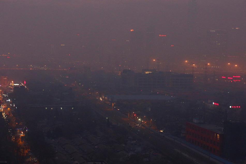 In Peking herrscht eine enorme Luftverschmutzung.