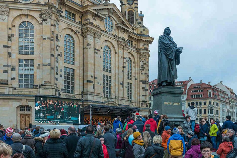 Auf dem Neumarkt fand in Gedenken an den Reformationstag ein Volksfest statt.