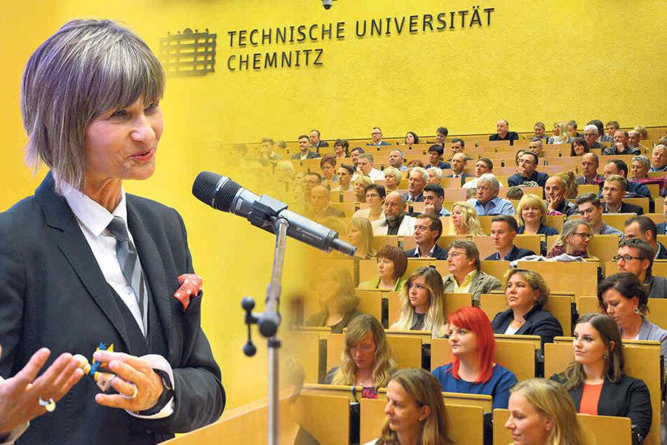 Oberbürgermeisterin  Barbara Ludwig (55, SPD) beglückwünschte die Absolventen