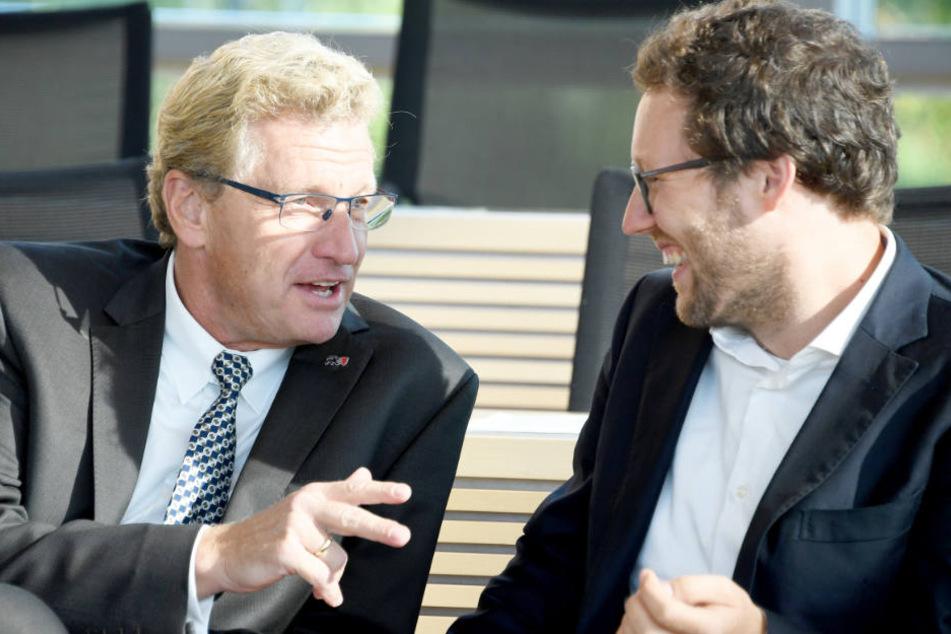 Verkehrsminister Bernd Buchmann mit seinem neuen Kollegen, Umweltminister Jan Philipp Albrecht.