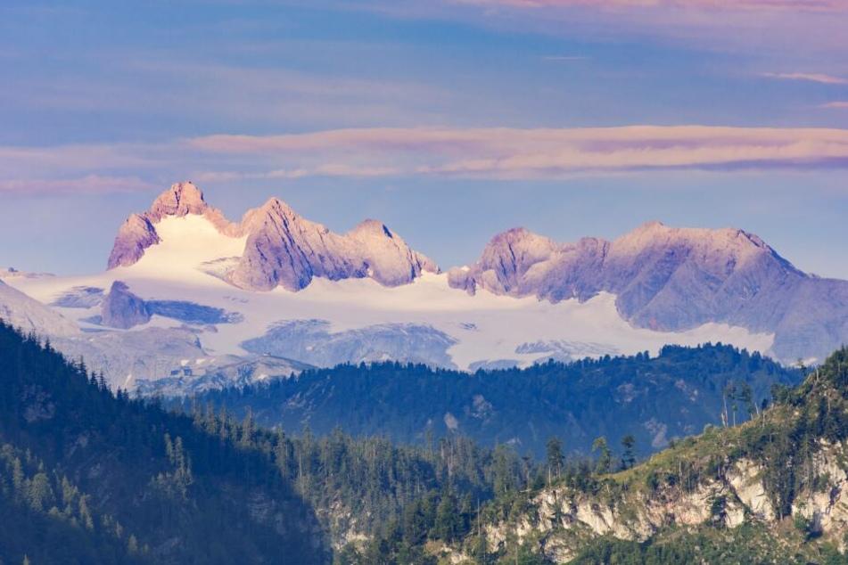 Auf dem Dachstein starb ein Bergsteiger aus Radebeul (37). Sein Begleiter (37) wurde verletzt.