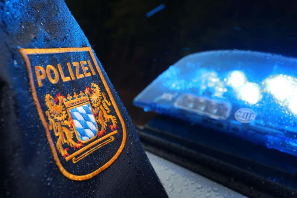 Antisemitischer Angriff: Mann wirft Frau Stein an den Kopf!