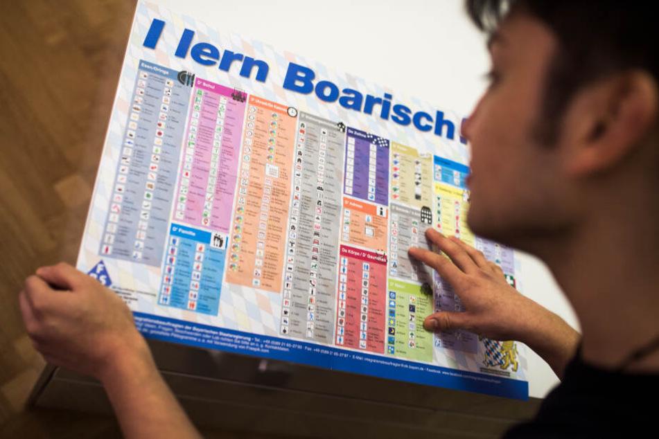 """Wer nicht Deutsch lernt, wird bestraft: """"Leitkultur"""" im Integrationsgesetz schockiert"""