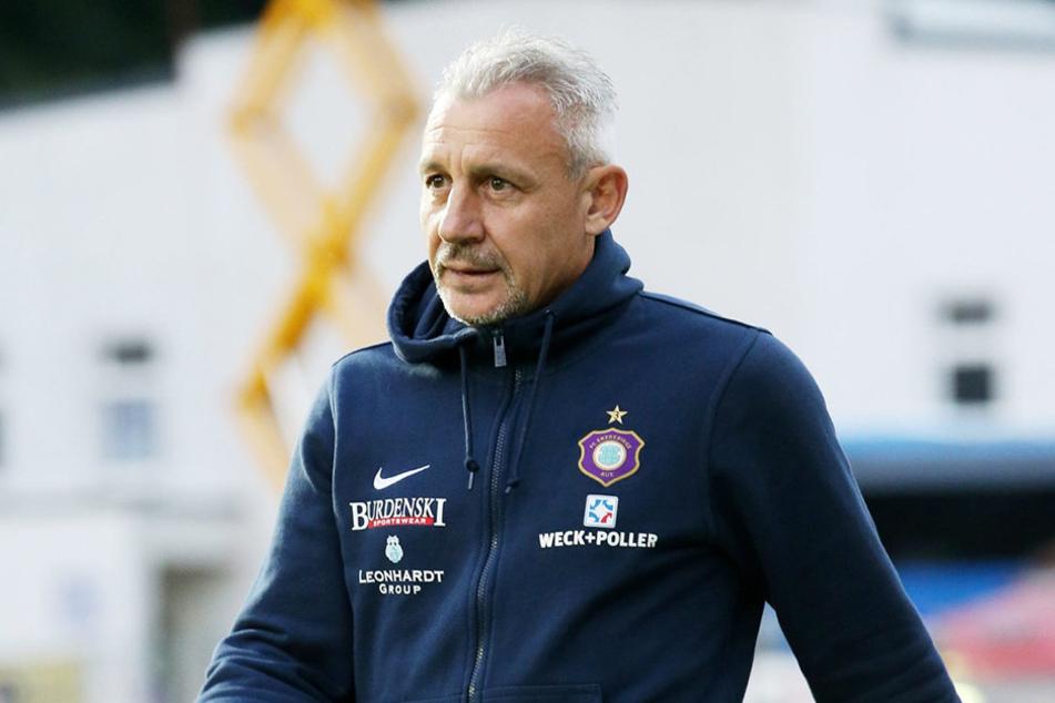 FCE-Trainer Pavel Dotchev testet am Samstag in Gera für das wichtige Punktspiel auf St. Pauli.