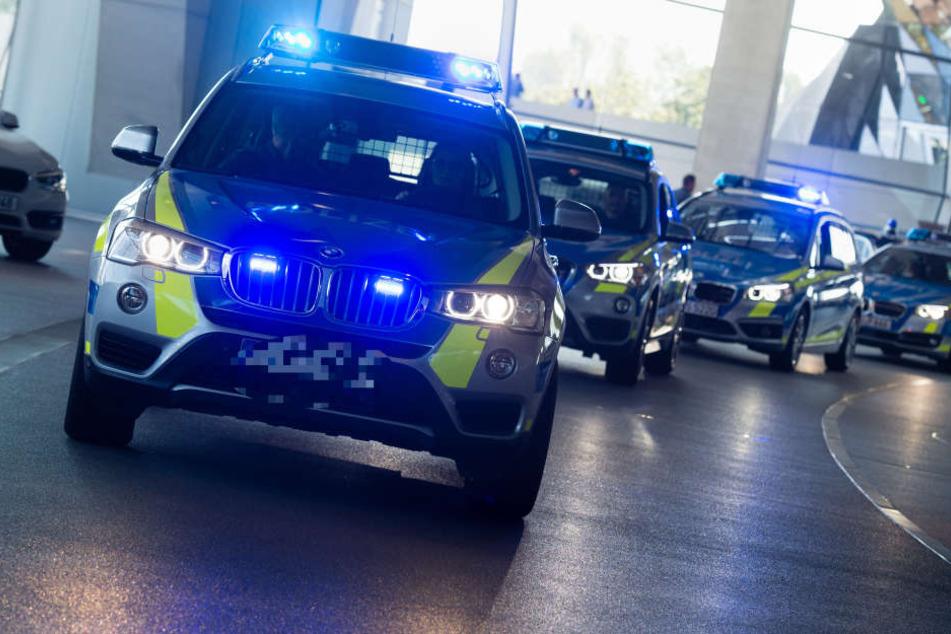 Die Polizei verfolgte einen BMW quer durch die Wiesbadener Innenstadt. (Symbolbild)