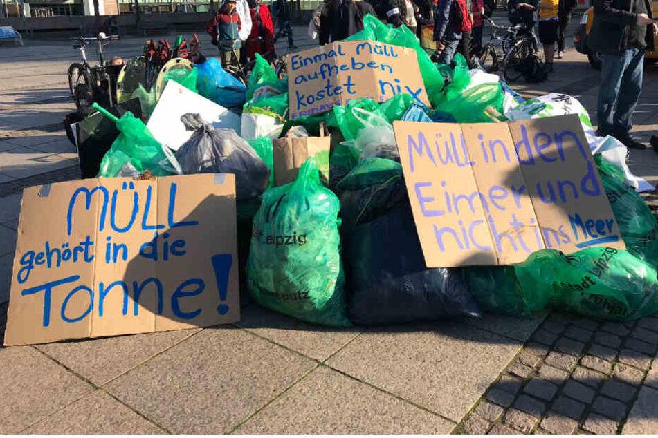 Wieso stapeln sich Müllberge auf dem Augustusplatz?