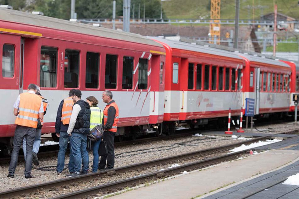 Zwei Züge der Matterhorn-Gotthard-Bahn sind am Montagvormittag ineinandergekracht