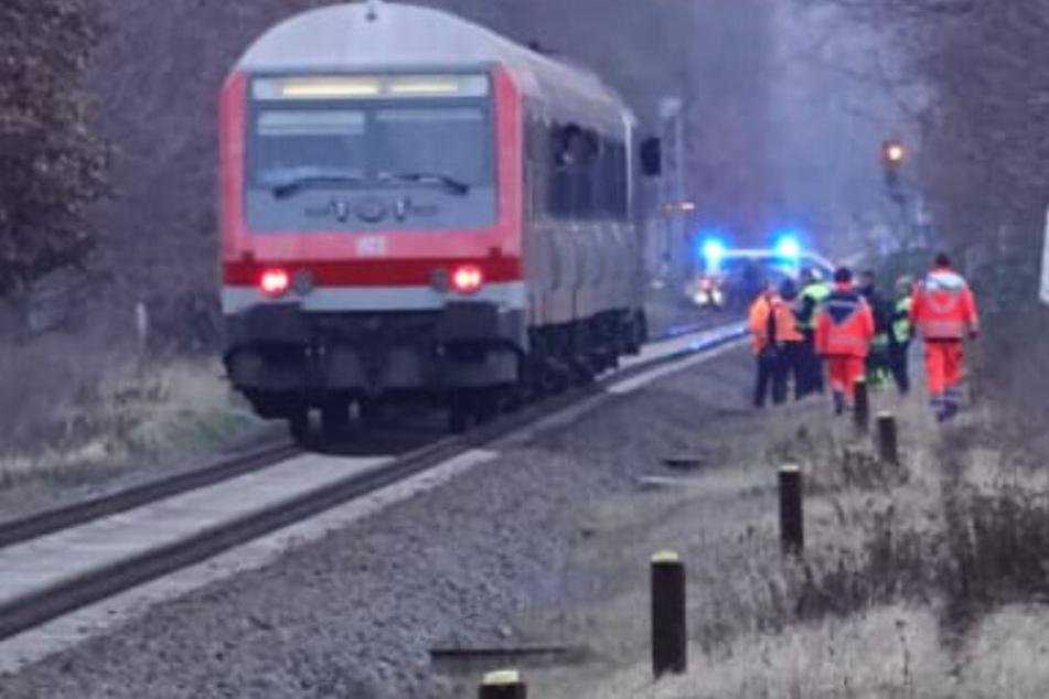 Leipzig: Mann in Leipzig von Zug getötet: Strecke nach Chemnitz voll gesperrt