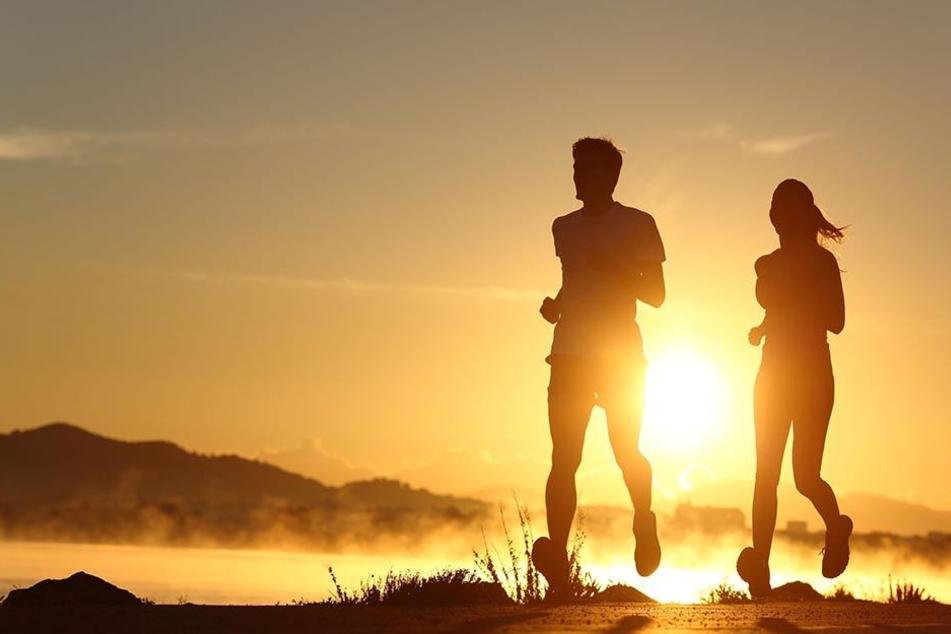 Sportliche Aktivitäten sollten auf die kühleren frühen Abendstunden verlegt werden.