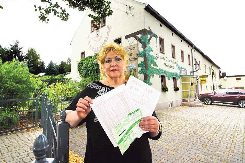 """Ärgert sich über den hohen Aufwand, sie mit der Bettensteuer hat: Ina Henker  (Pension """"Zur Henkerin"""")."""