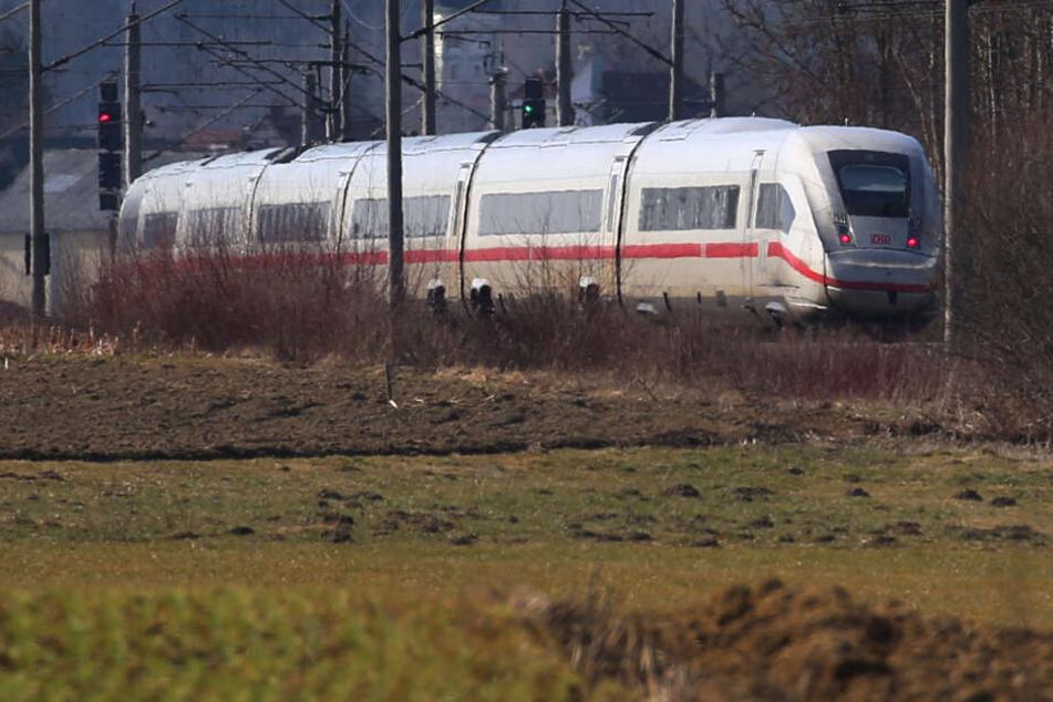 Auf der Bahnstrecke Leipzig-Berlin ist es am Donnerstagvormittag zu einem tödlichen Unfall gekommen. (Symbolbild)