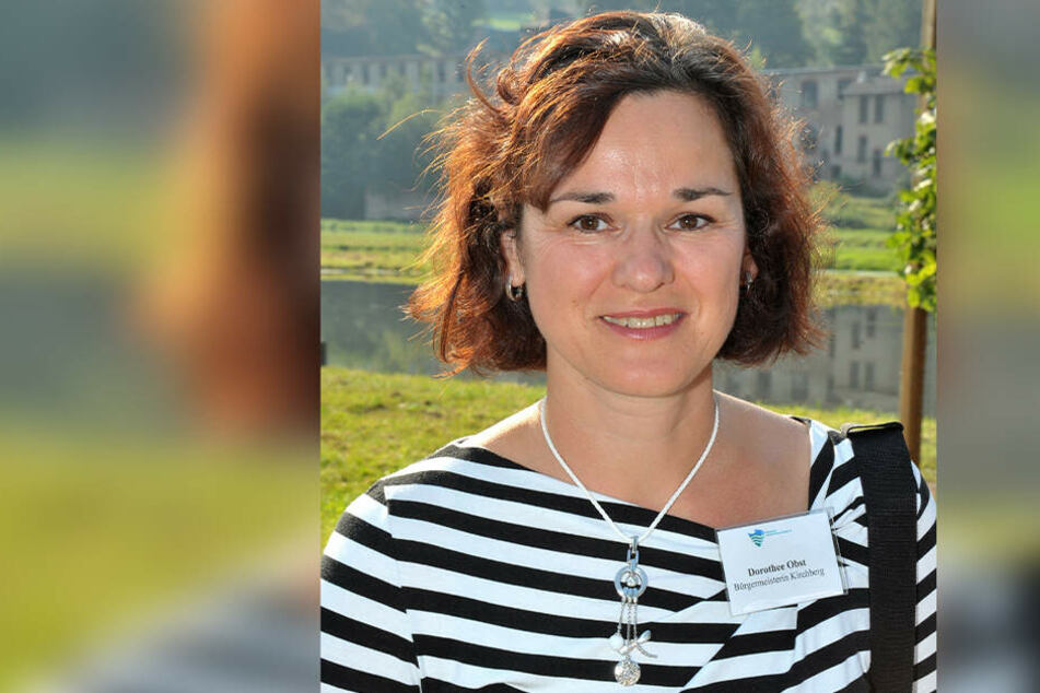 Kirchbergs Bürgermeistern Dorothee Obst (48) kennt den einsamen Storch: Naturschützer wurden bereits informiert.
