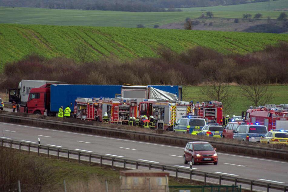 Todesfahrt auf der A 38 Porsche-Fahrer stirbt bei Horror-Crash