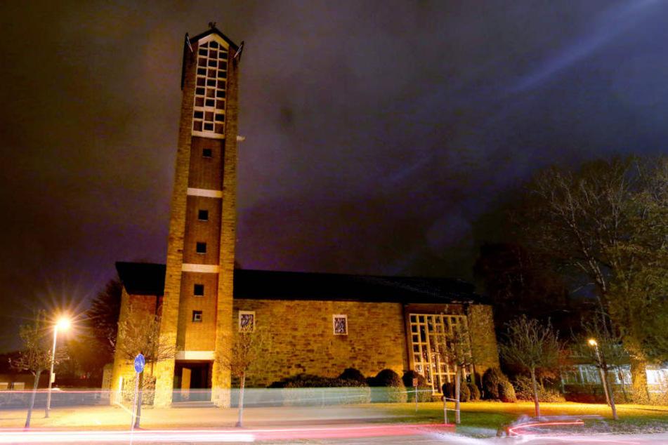 """In der Kirche """"Zur Heiligen Familie"""" in Rhede arbeitete der pädophile Priester."""