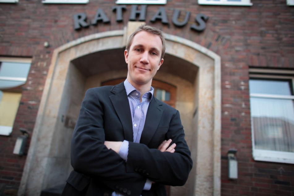 Monheims Bürgermeister Daniel Zimmermann will die islamischen Gemeinden aus den Hinterhöfen holen.