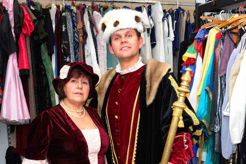 Miskus-Leiter Jörn Hänsel mit Margitta Freudenberg schlüpfen in historische Kostüme.